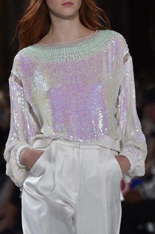 blusa e calça branca