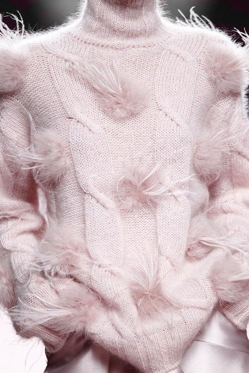 blusa de lã rosa