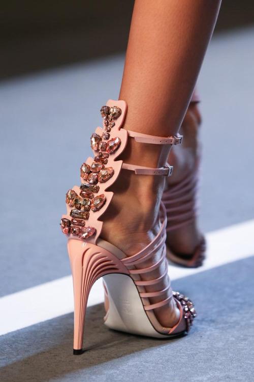 sandálias rosa