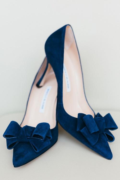 sapatos azuis amarinho