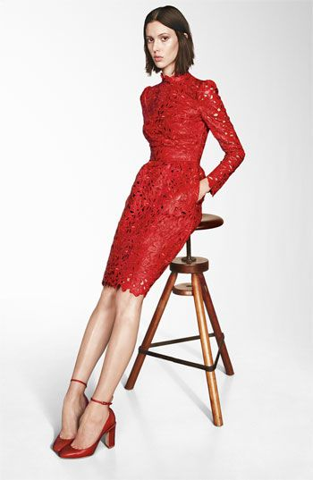vestido renda vermelha