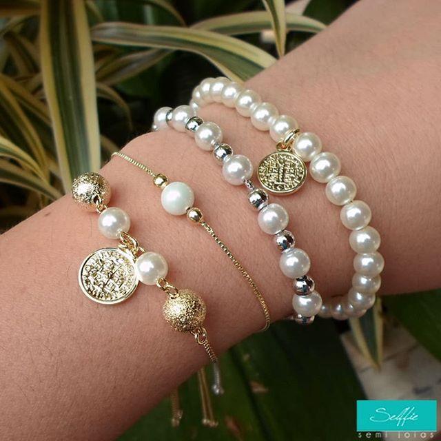 Resultado de imagem para Brincos em pérolas, pulseiras, colares, sofisticados
